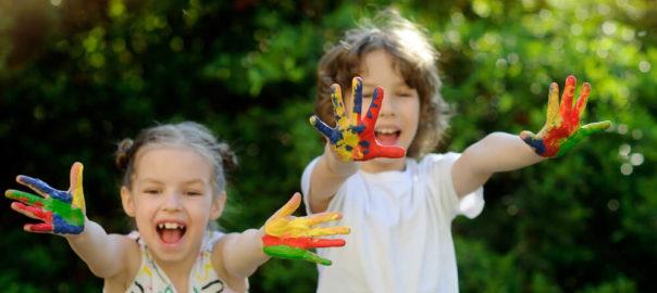Post do blog da Meu Mundo Personaizado com ideias e dicas diferentes de brincadeiras para festa infantil