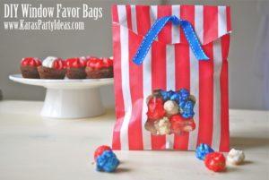 Ideia criativa, barata e facil de fazer de lembrancinha para festa infantil com saquinhos de papel coloridos e pipoca