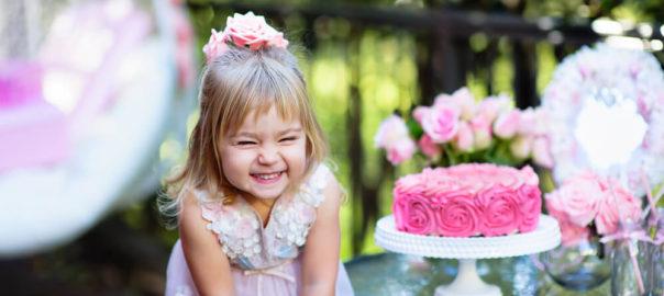 Festa tema princesas: ideias criativas e baratas para lembrancinhas, docinhos, convites e mais