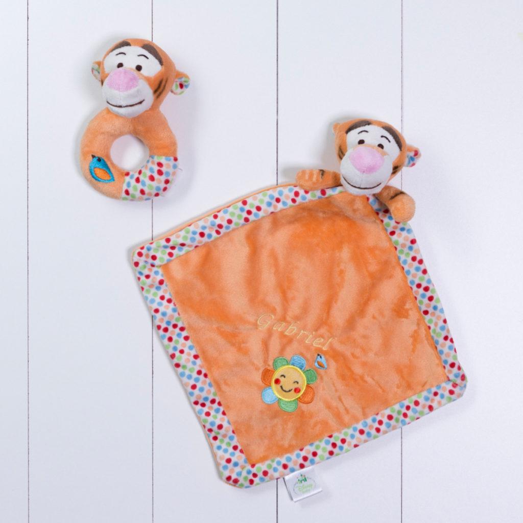 Naninha cheirinho soninho e chocalho Tigrao Disney personalizada menino menina bebe comprar (e)