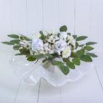 Buquê branco roupas bebê presente personalizado especial maternidade nascimento chá de bebê flores mamãe enxoval paninho de boca comprar