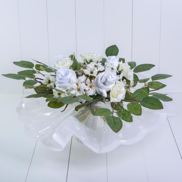 Bouquet roupinha bebe body meia babador presente personalizado maternidade nascimento branco menino menina comprar (3)