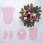 Bouquet roupinha bebe body meia babador presente personalizado maternidade nascimento rosa menina comprar – composica