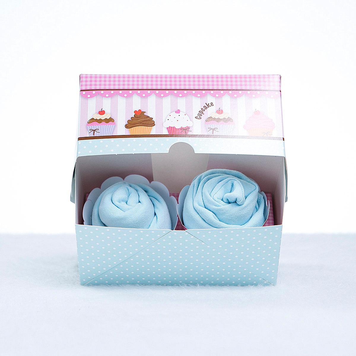 Caixa 2 cupcakes roupas bebe azul menino