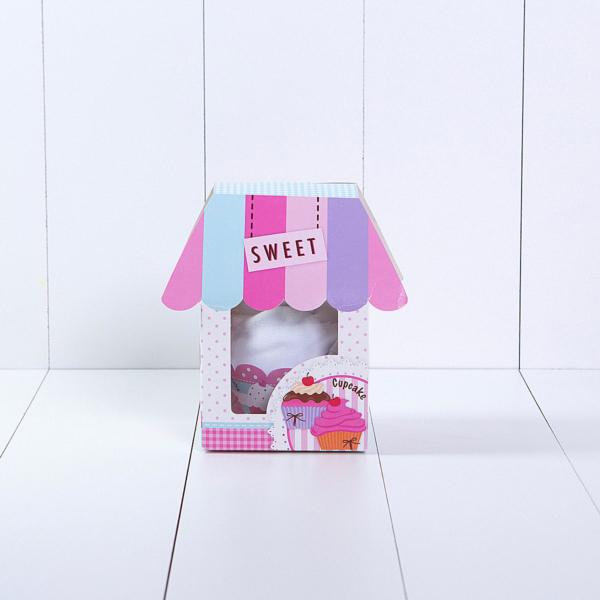 Cupcake de babador e paninho de boca para presentear recém-nascido