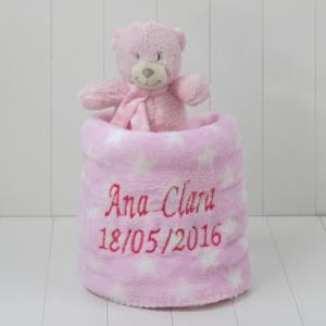 Cobertor para bebe recem-nascido com o nome personalizado e um ursinho