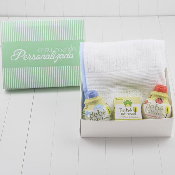 kit-presente-hora-do-banho-meninos-toalha-de-bebe-com-capuz-e-itens-banho