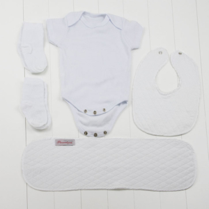 Roupa exoval bebe para recem nascidos que compoe a cesta bebe branco