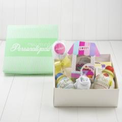 Kit para presentear bebes que acabram de nascer com itens criativos praticos e uteis