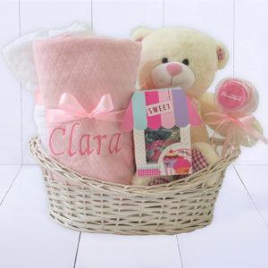 Presente para recém-nascido menina completo com cesta toalha personalizada manta e urso de pelucia