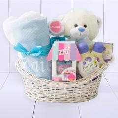 Presente bebê completo. Cesta nascimento com toalha bebe com capuz e kit banho