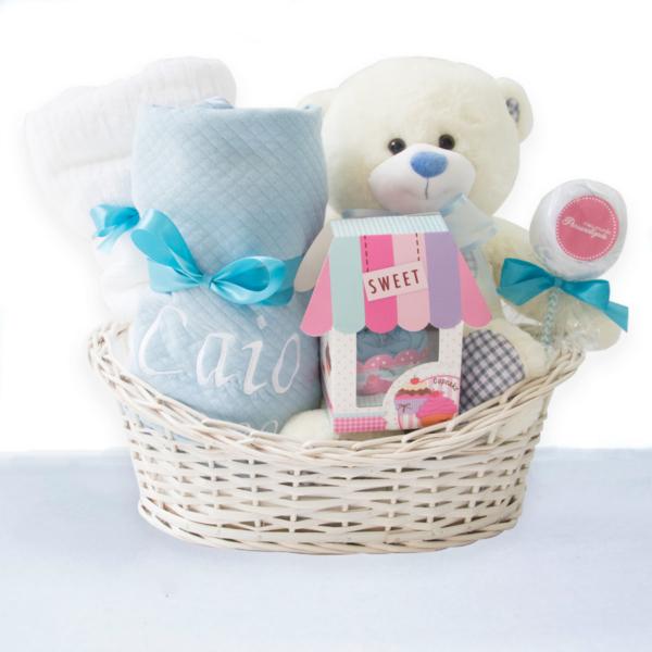 Cesta Presente Bebe com Toalha de Banho – Azul Claro – Meninos