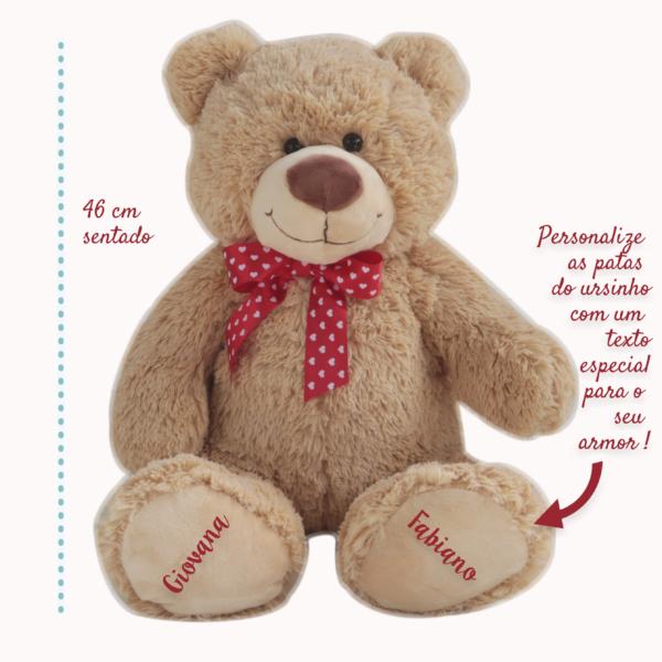 Urso Grande com laco de coracoes -Ursinho Feliz – fita vermelha – com medida e texto