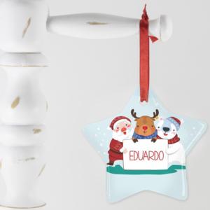 Enfeite em formato de estrelinha com nome do bebê ou criança para comermorar o natal